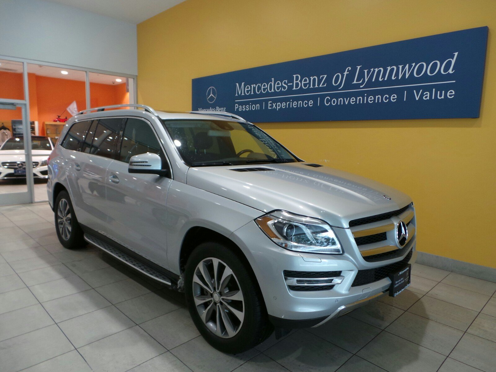 certified pre owned 2015 mercedes benz gl gl 450 suv in lynnwood l3552p mercedes benz of lynnwood. Black Bedroom Furniture Sets. Home Design Ideas